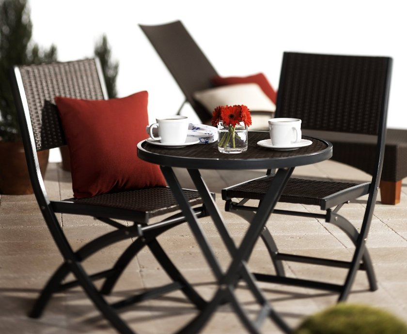 Image of: Round Bistro Table And Chair