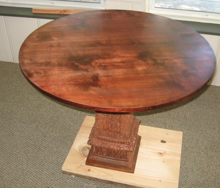 Image of: Round Pedestal Tables Modern