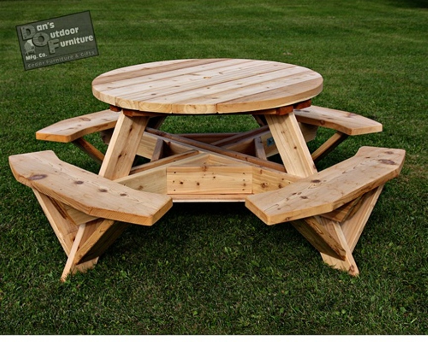 Image of: Round picnic table