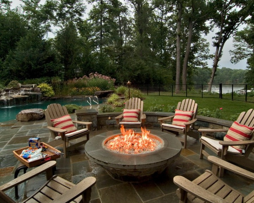 Image of: Round propane fire pit table and chairs