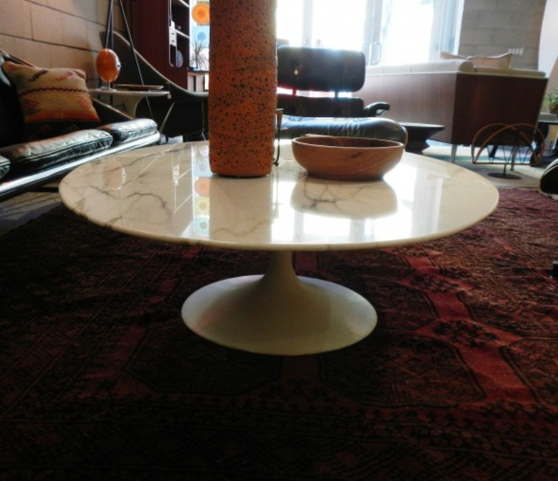 Picture of: Saarinen coffee table replica
