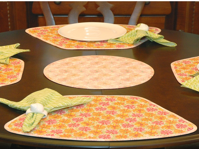 Picture of: Simple Placemats for Round Table