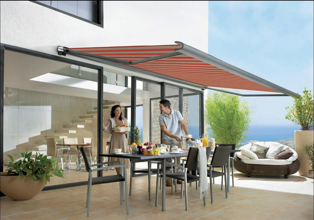 Picture of: Simple retractable patio covers