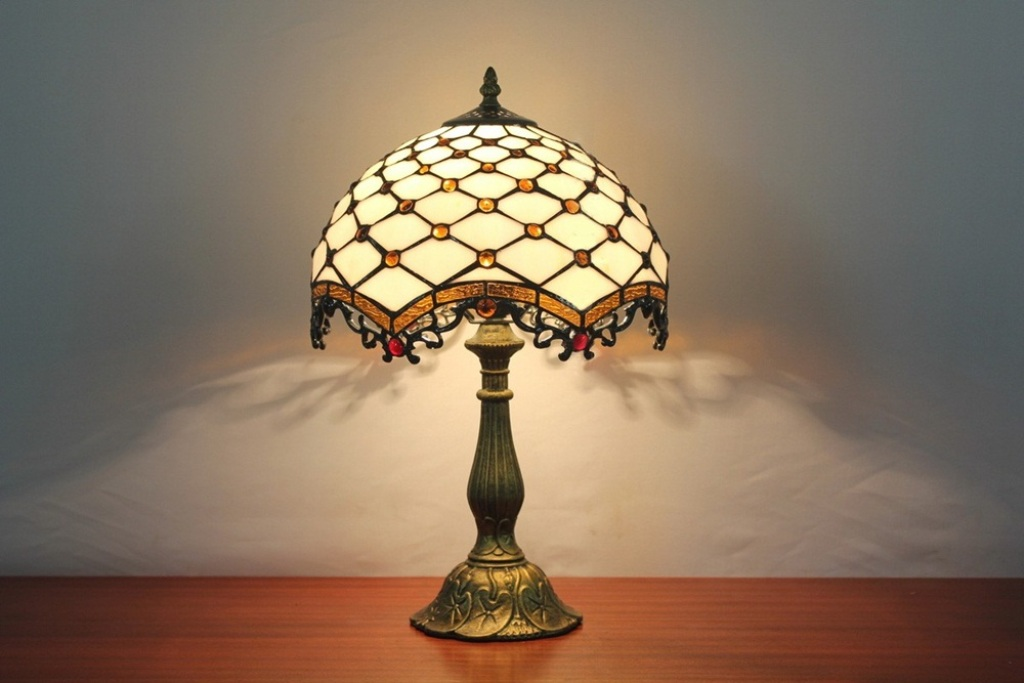 Image of: Stained Glass Table Lamp Ideas
