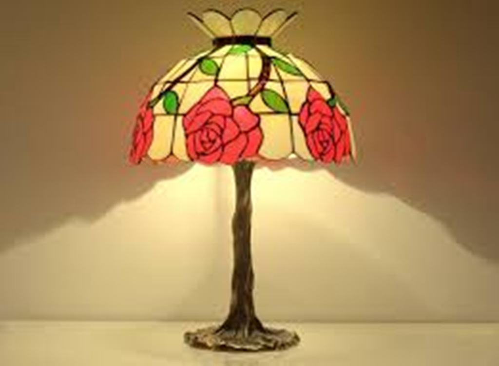 Image of: Stained Glass Table Lamp Patterns