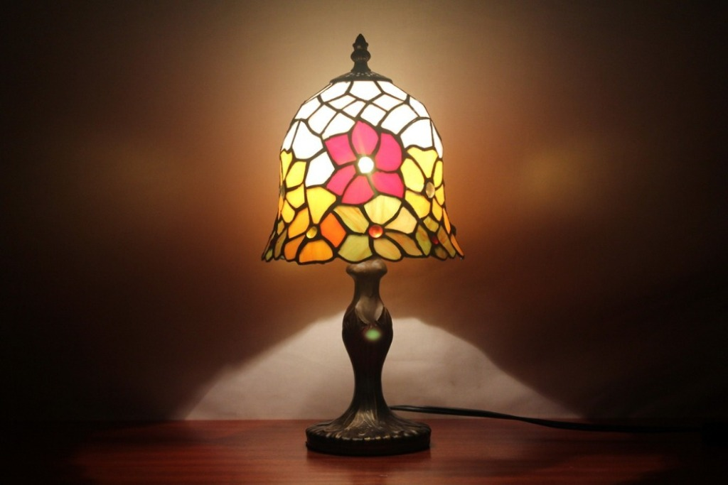 Image of: Stained Glass Table Lamp Replacement Shades