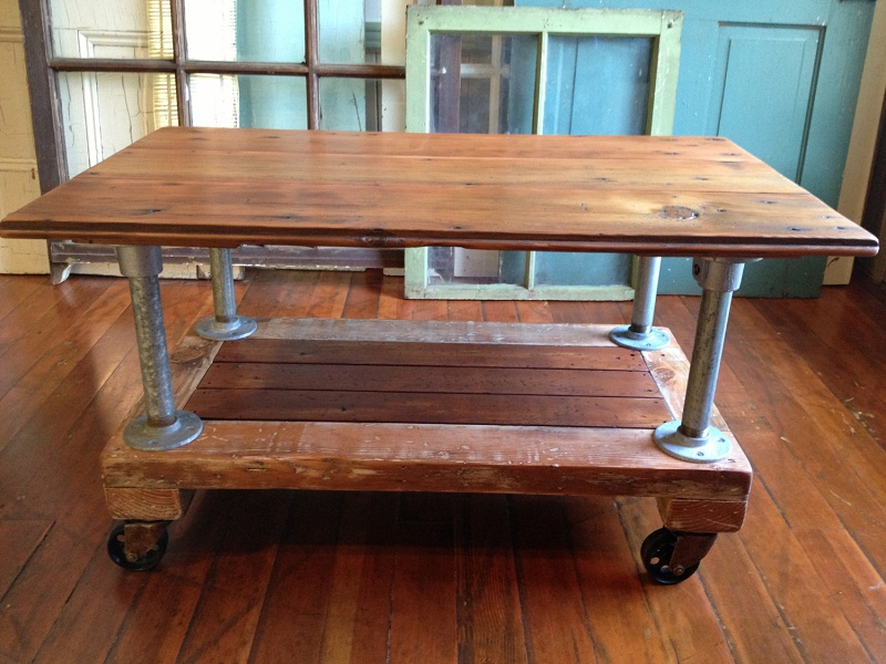 Picture of: Stylish Reclaimed Wood Table