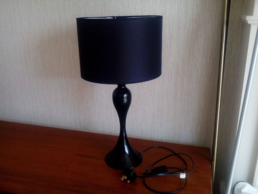 Picture of: tall table lamps with black shades
