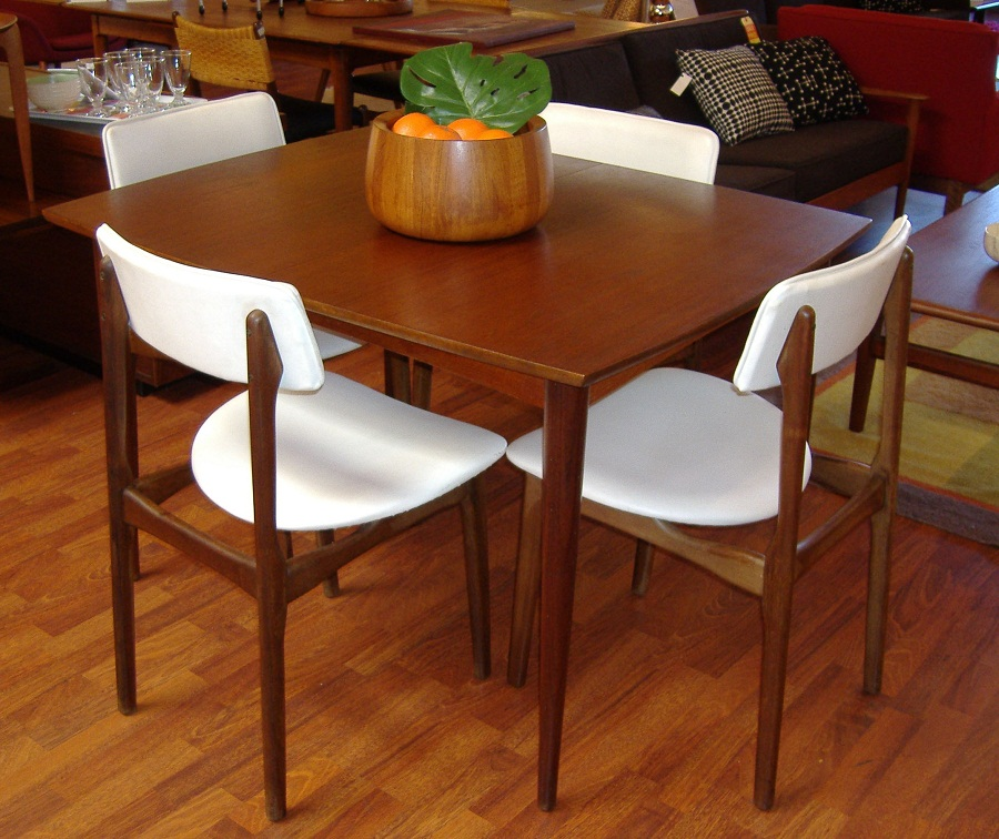 Image of: teak wood table and chairs