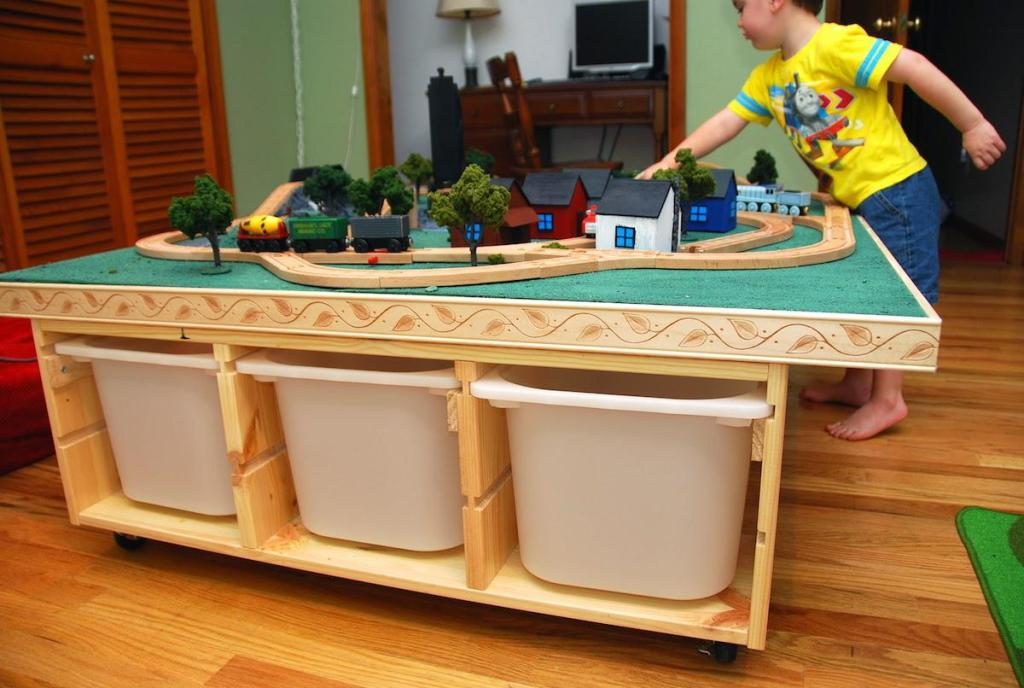 Image of: Thomas Train Table With Storage