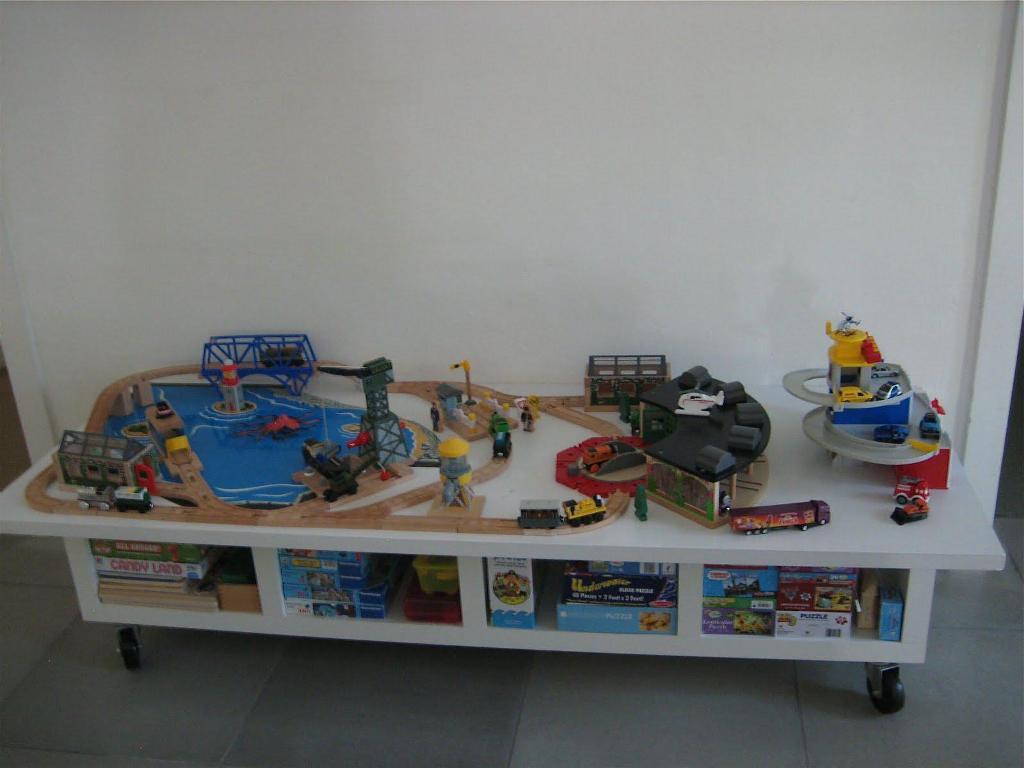 Picture of: Toddler Train Table With Storage