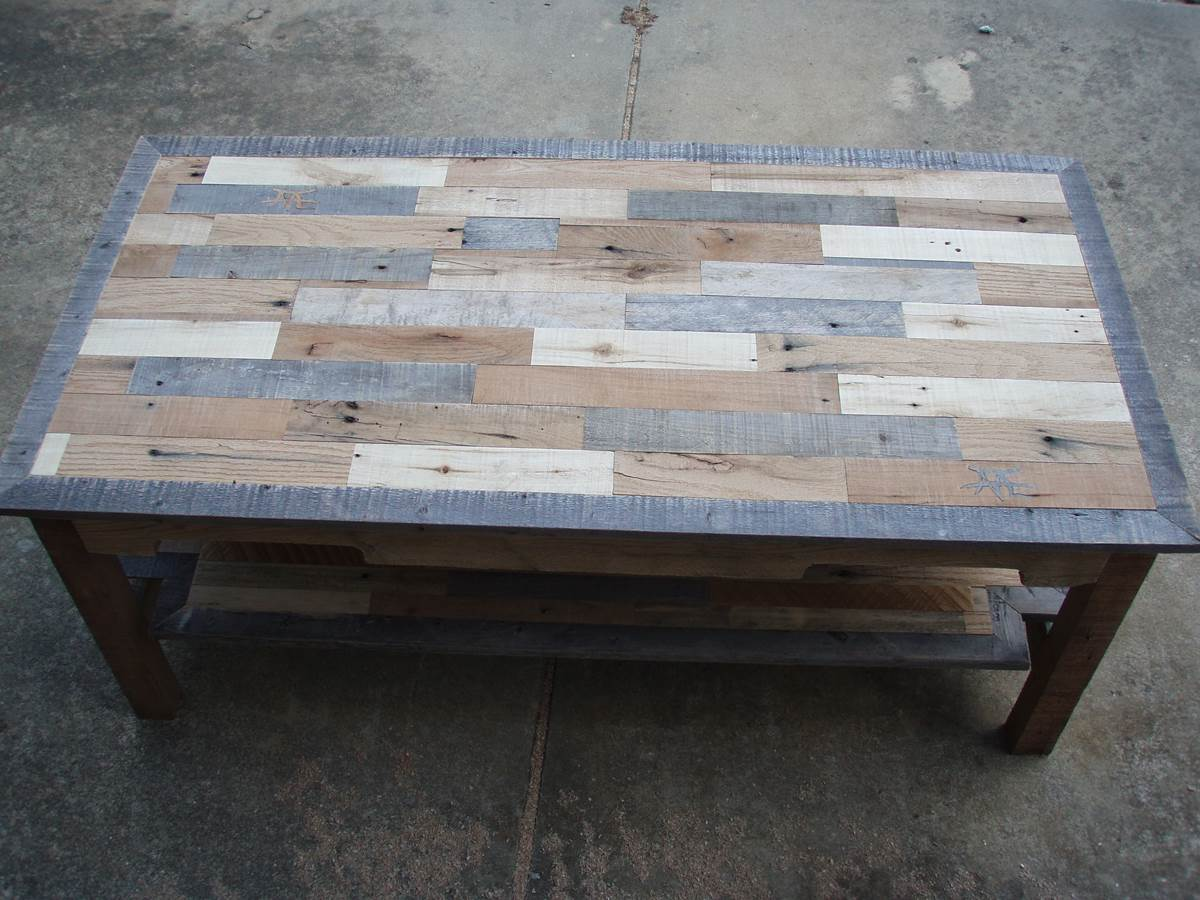 Image of: Traditional Pallet Coffee Table