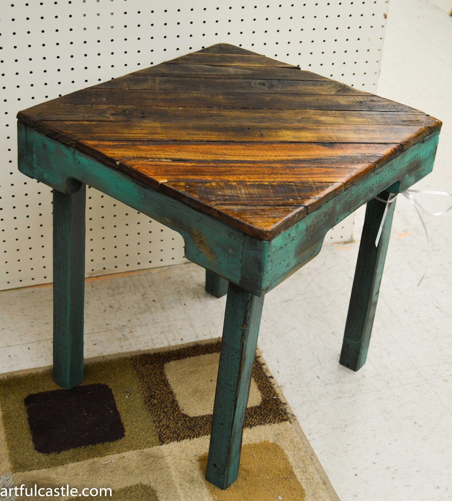 Picture of: Uniquie Reclaimed Wood Side Table