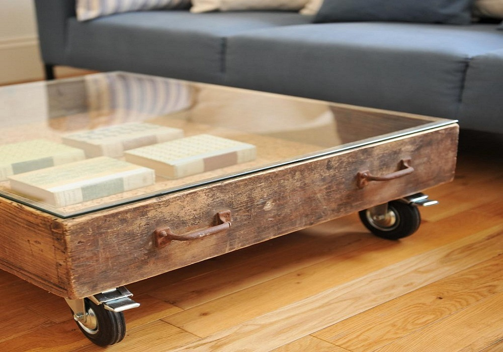 Image of: Vintage Wood Trunk Coffee Table