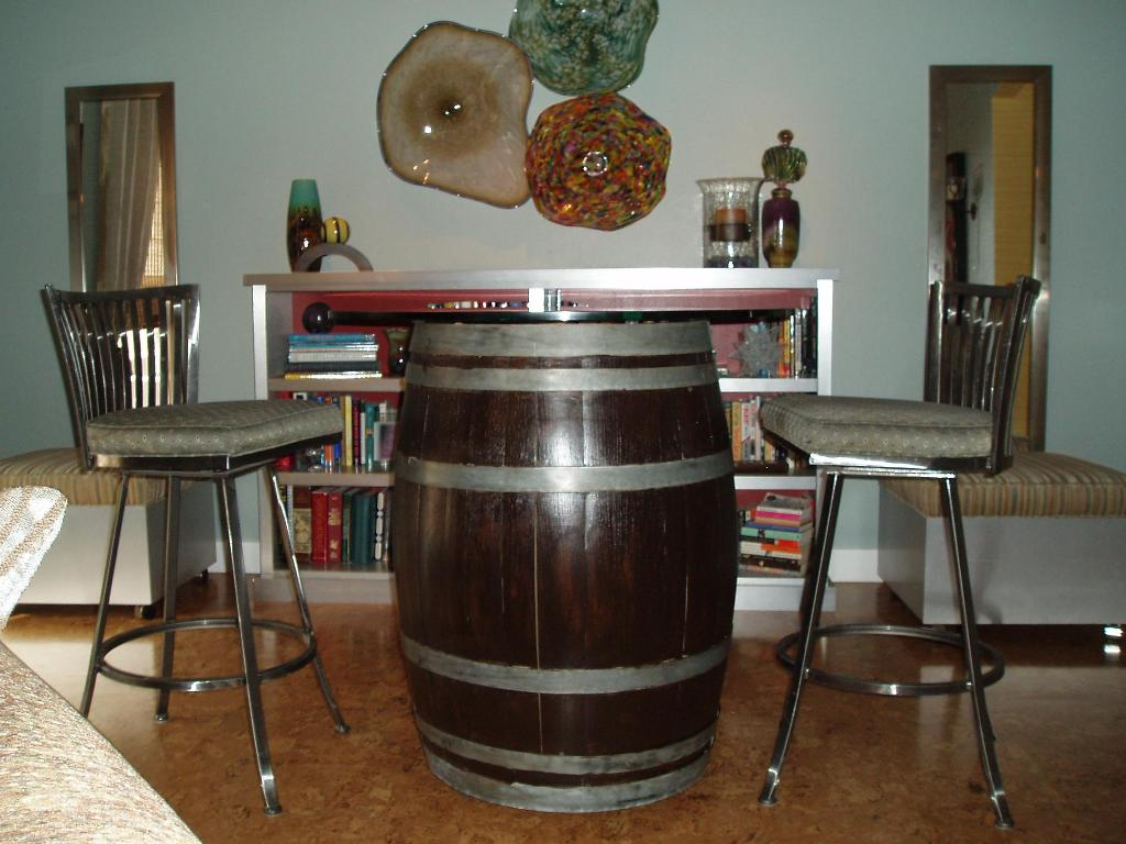 Picture of: Wine Barrel Table And Chairs