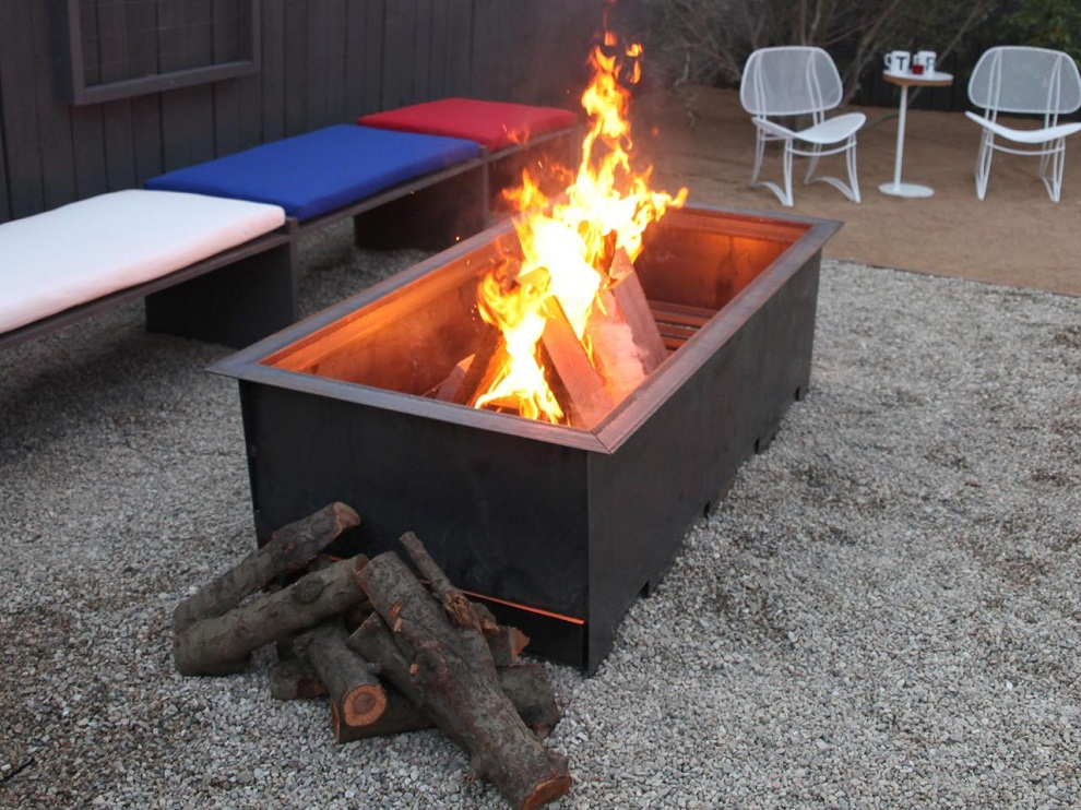 Image of: Wood Burning Fire Pit Table Designs