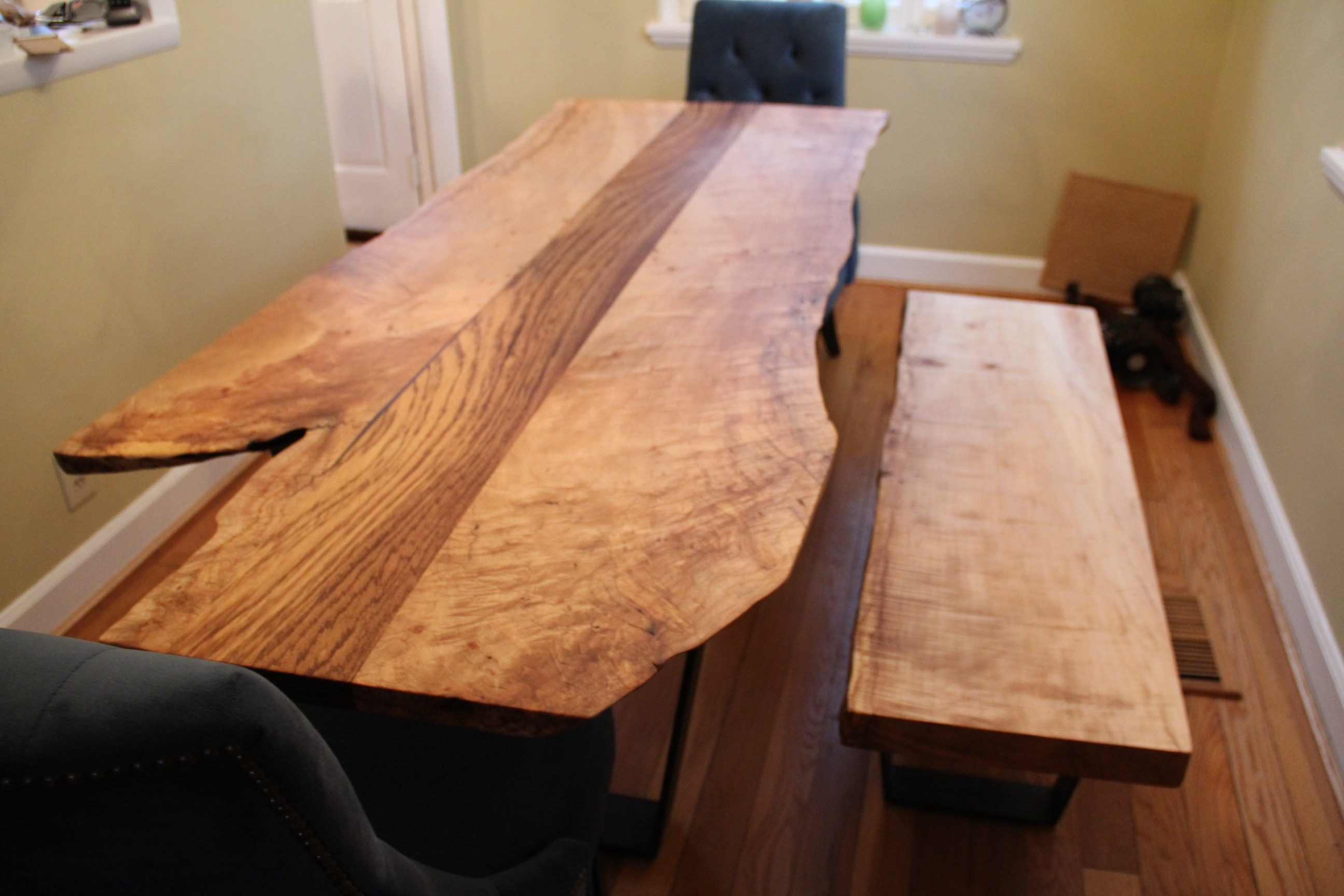 Image of: Fabulous How To Refinish Wood Table
