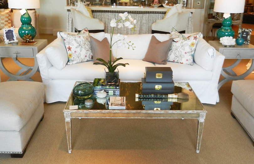 Picture of: living room coffee table decor