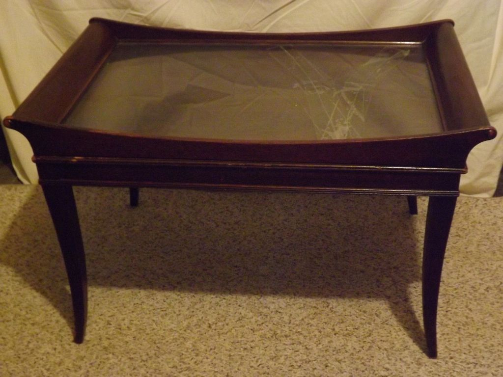 Picture of: Antique Coffee Table With Removable Glass Top