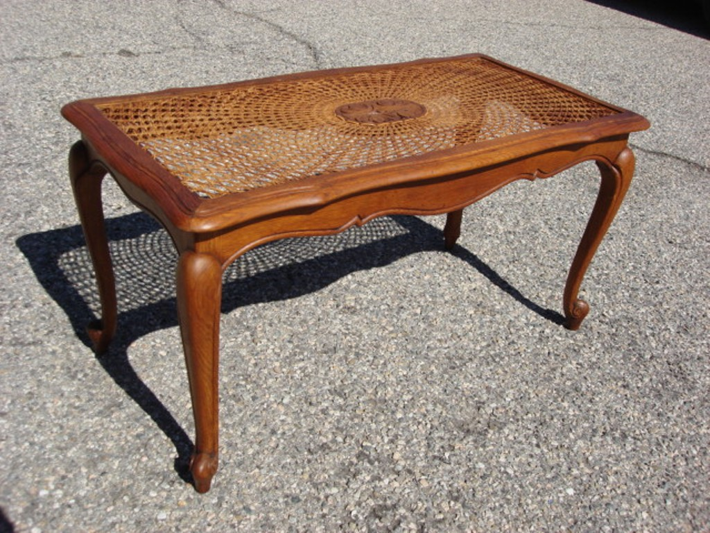 Picture of: Antique Coffee Tables And End Tables