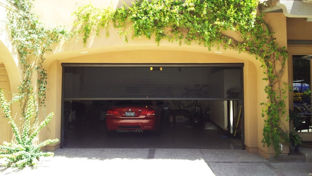 Picture of: Automatic Retractable Garage Door Screens