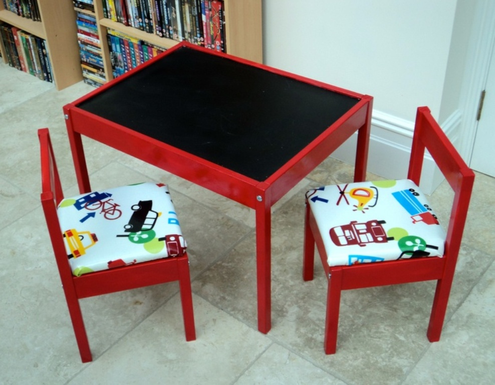 Image of: best toddler table and chairs wood