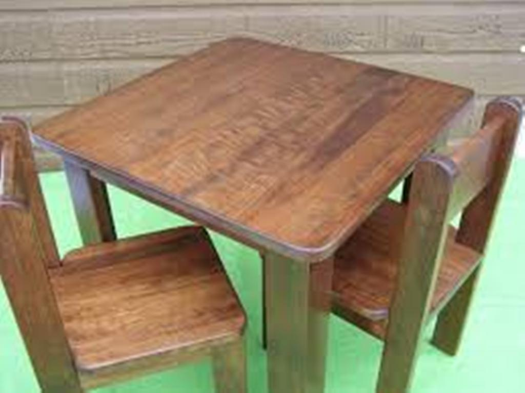 Image of: build a toddler table and chairs wood