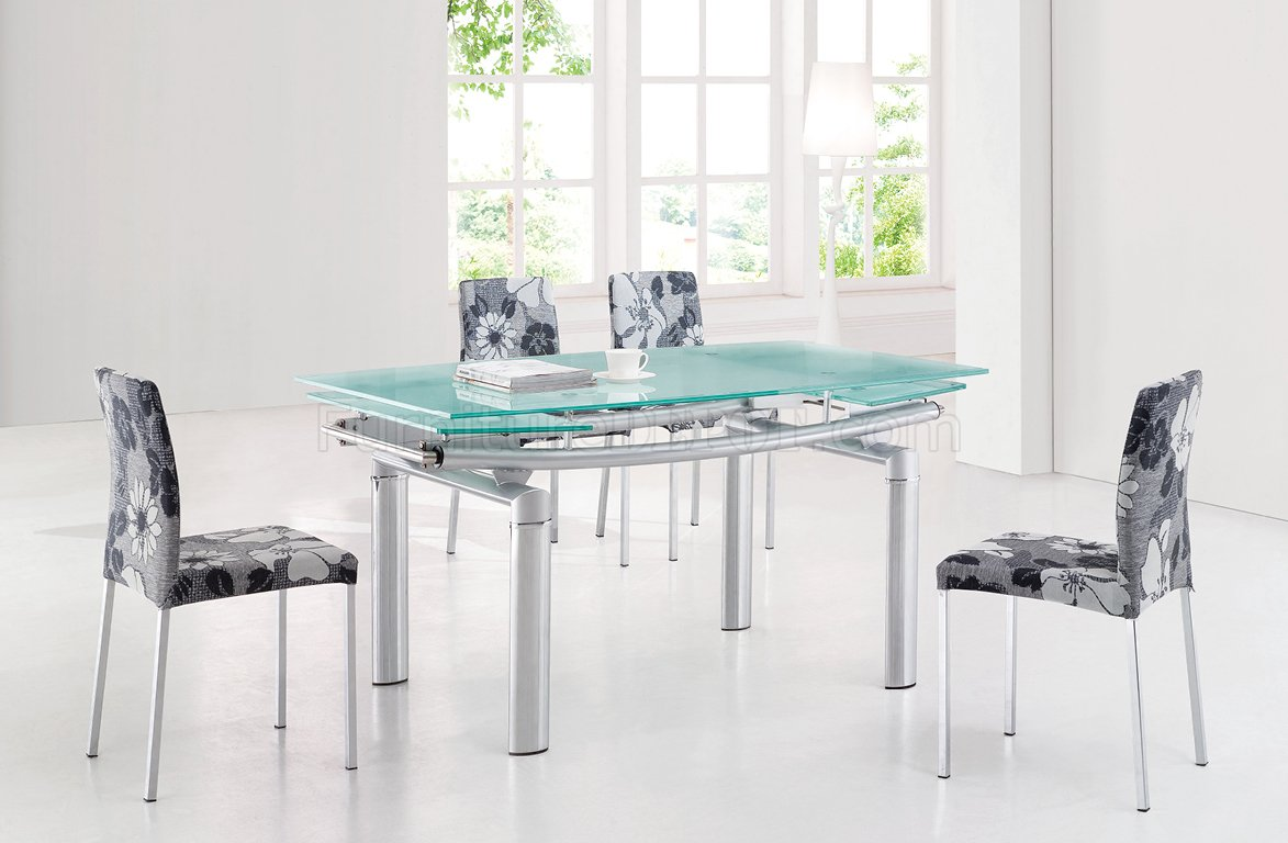 Image of: Cute Glass Extendable Dining Table