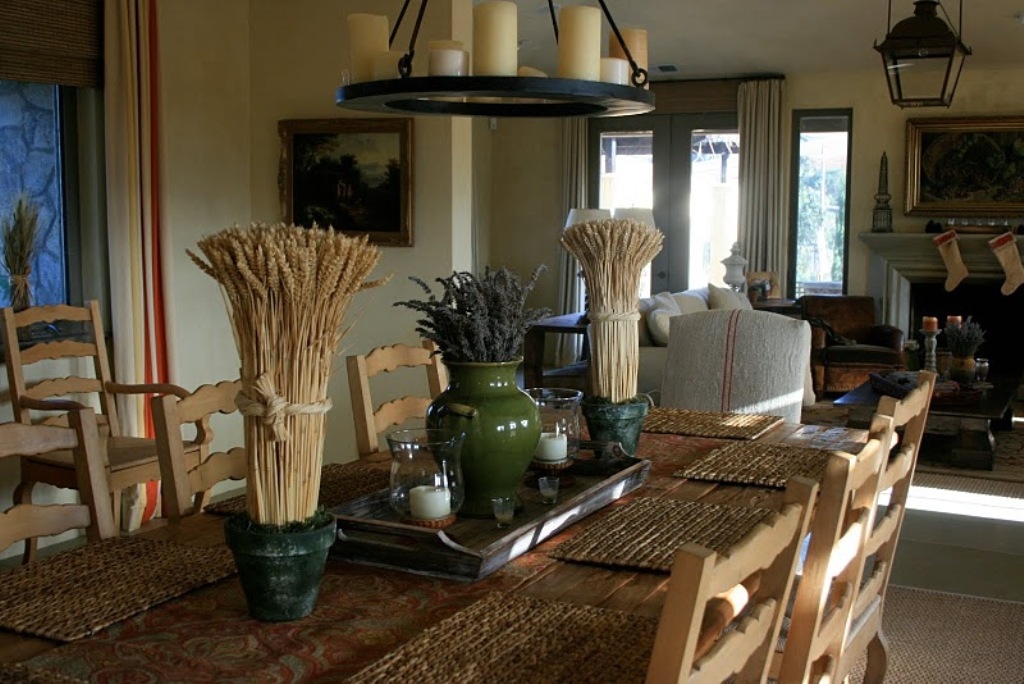 Image of: Dining Room Table Decor Ideas