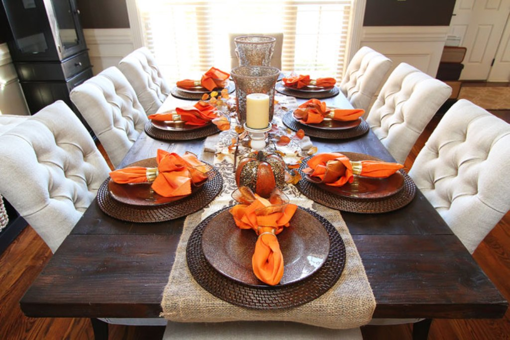 Image of: Dining Room Table Decorating Ideas For Fall