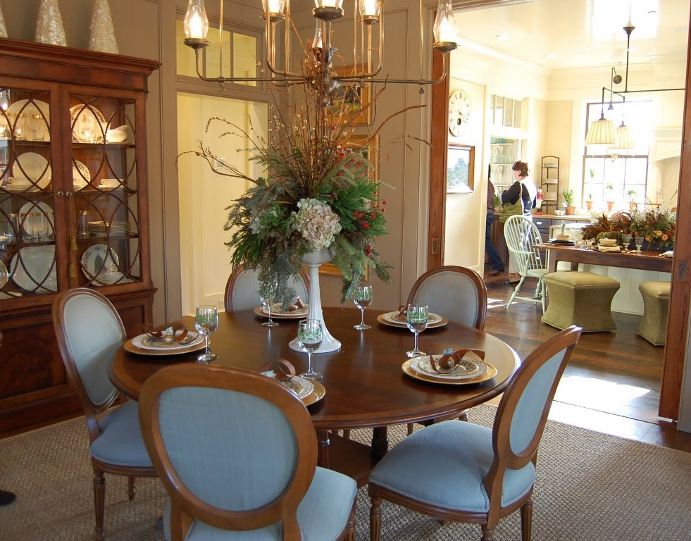 Image of: Dining Room Table Decoration Pictures