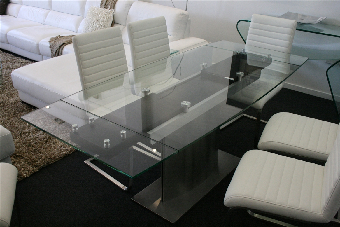 Image of: Glass Extendable Dining Table Ideas