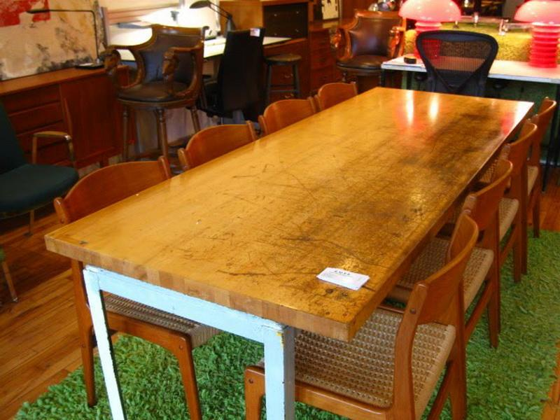 Image of: Glazed Butcher Block Dining Room Table