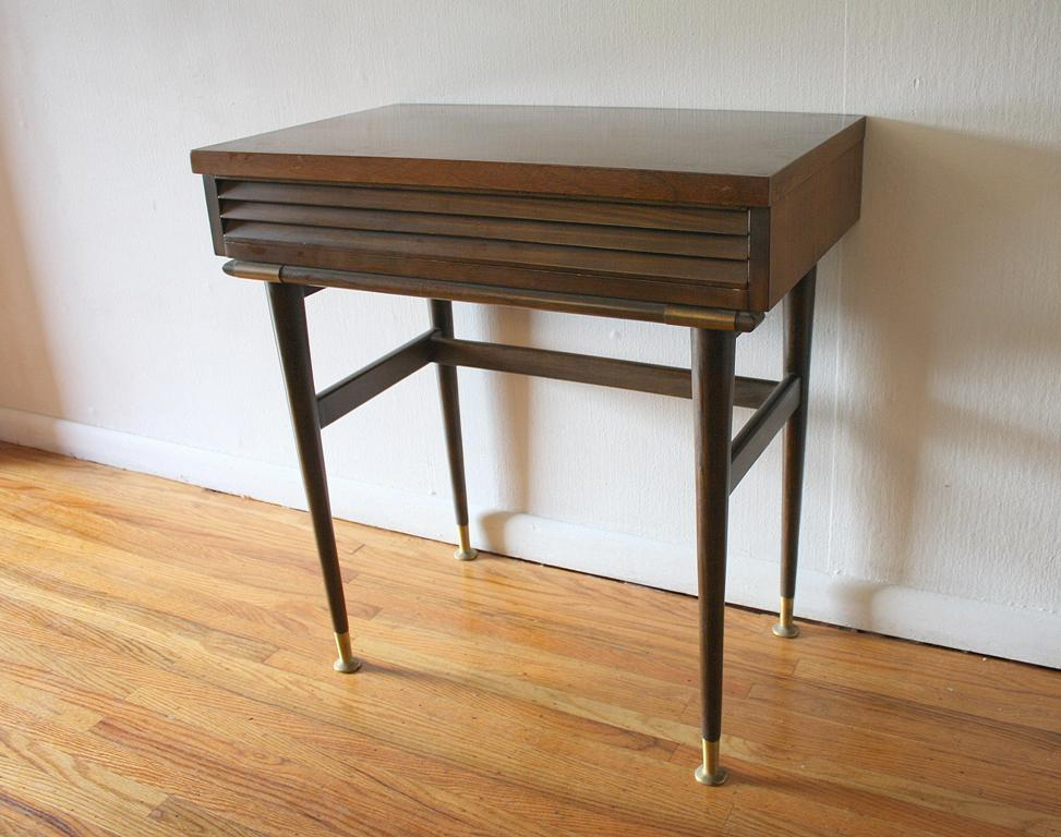 Picture of: Mid Century Modern Entryway Table