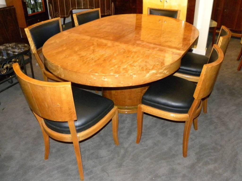 Image of: Mid Century Modern Round Dining Table And Chairs