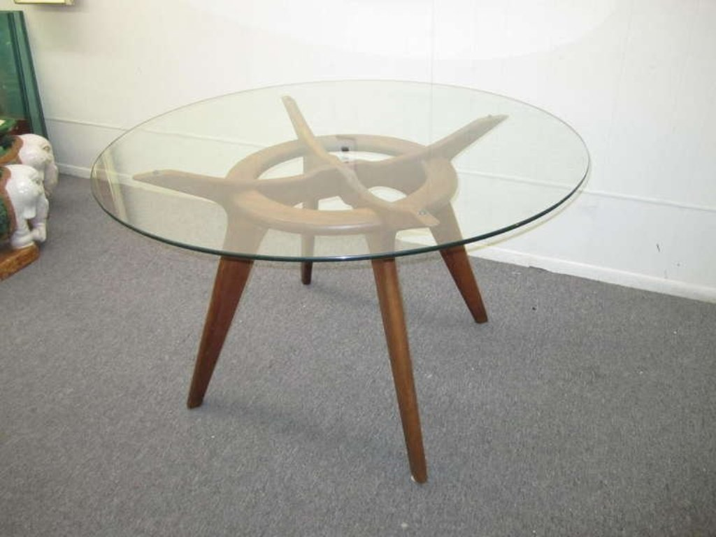 Image of: Mid Century Modern Rounds Dining Table
