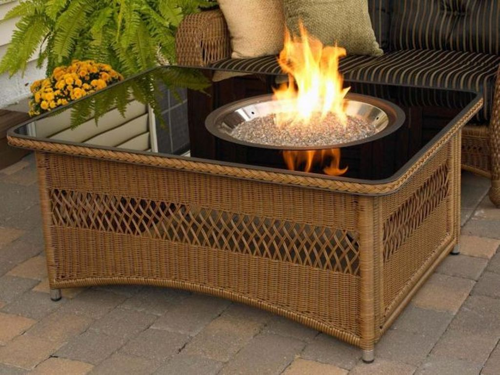 Image of: Modern Outdoor Coffee Table Fire Pit