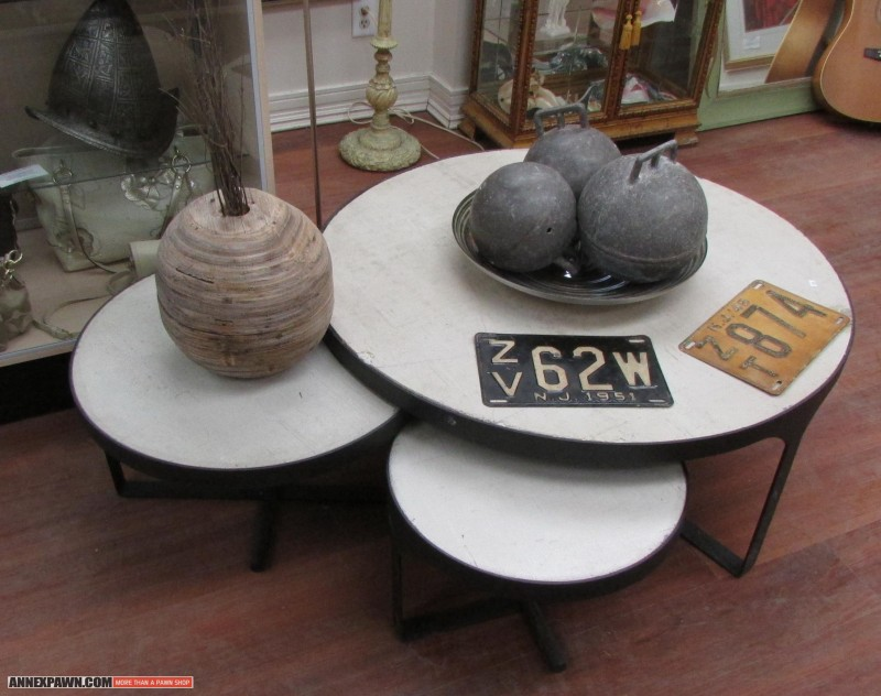 Image of: nesting coffee tables set