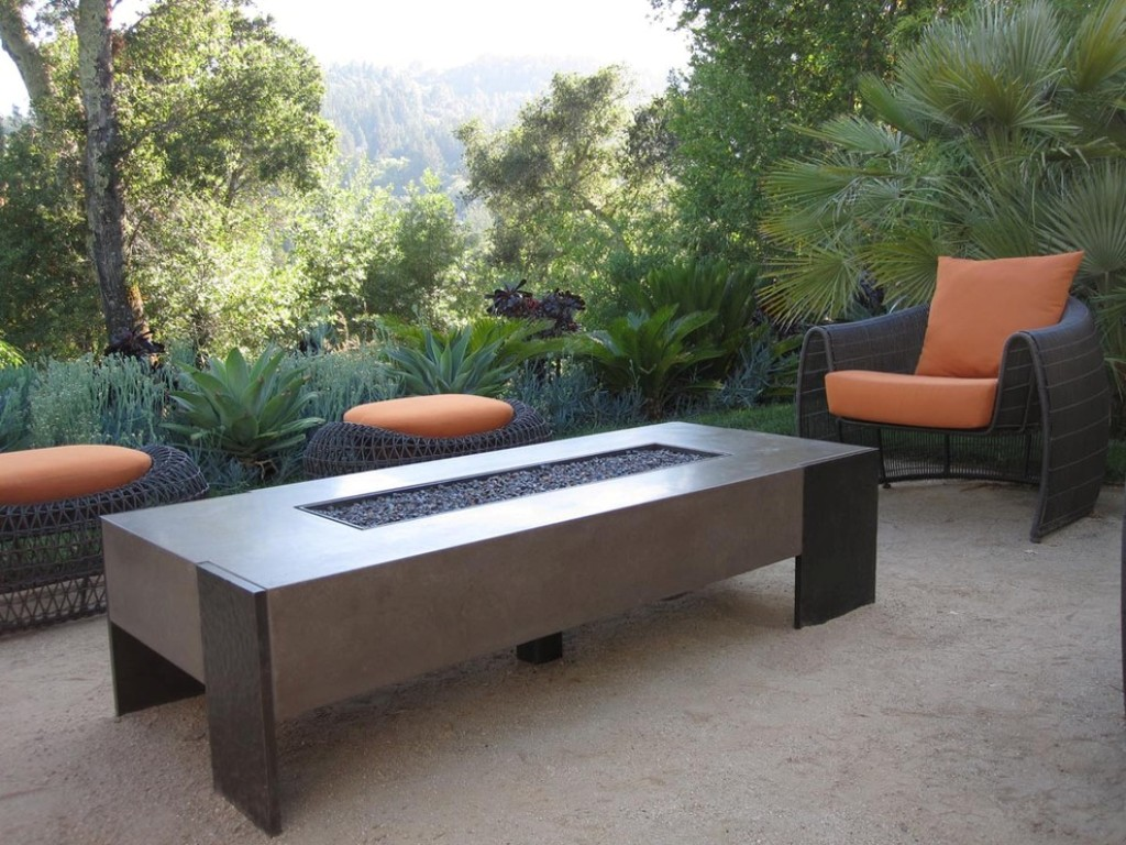 Image of: Outdoor Coffee Table With Integral Fire Pit