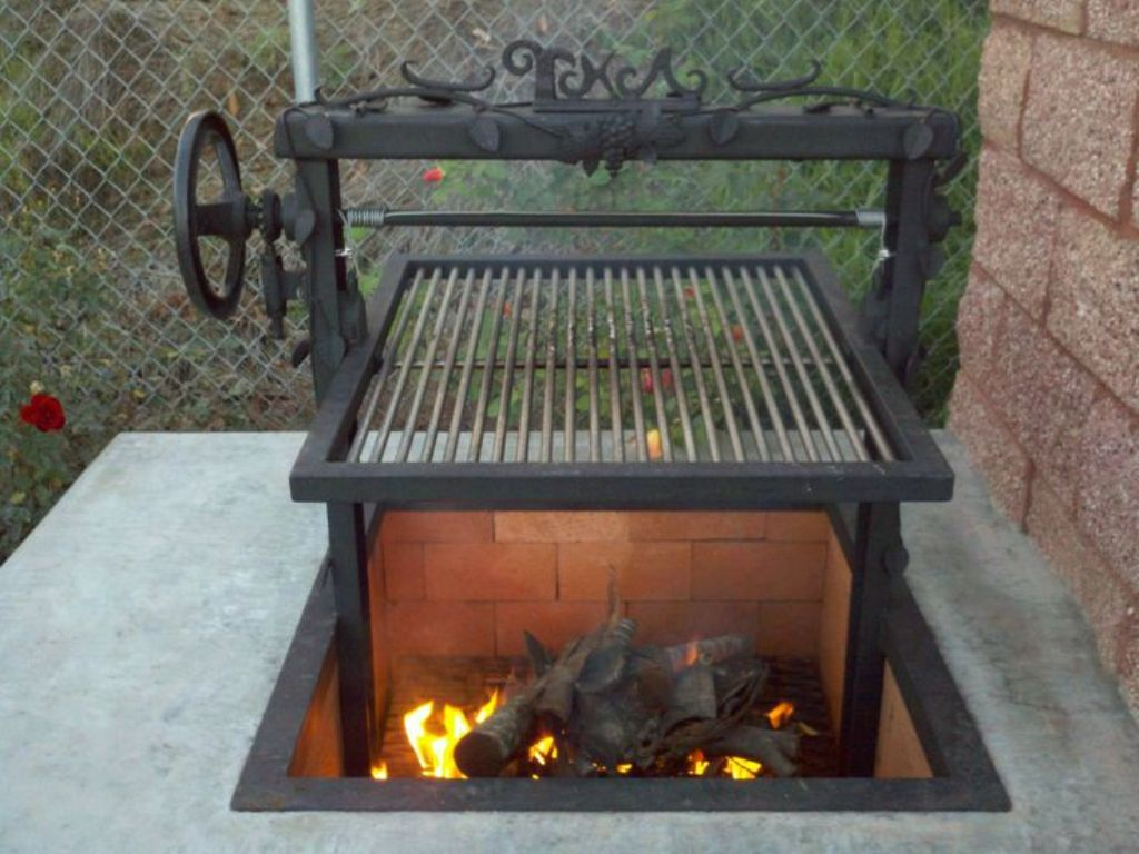 Picture of: Outdoor Fire Pit And Grill
