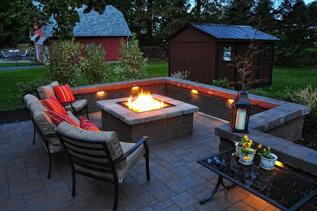 Picture of: Outdoor Fire Pit Areas