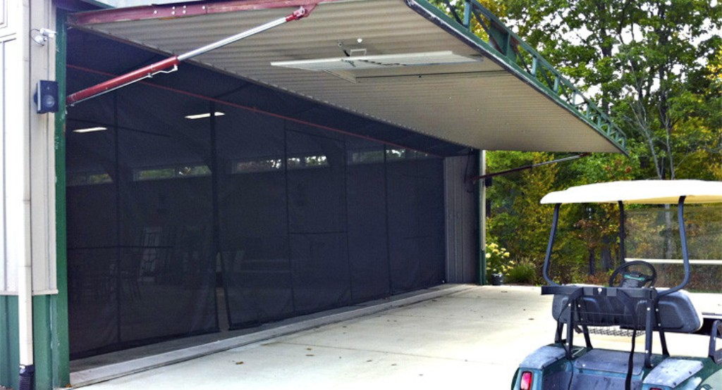 Picture of: Retractable Garage Door Screen Designs