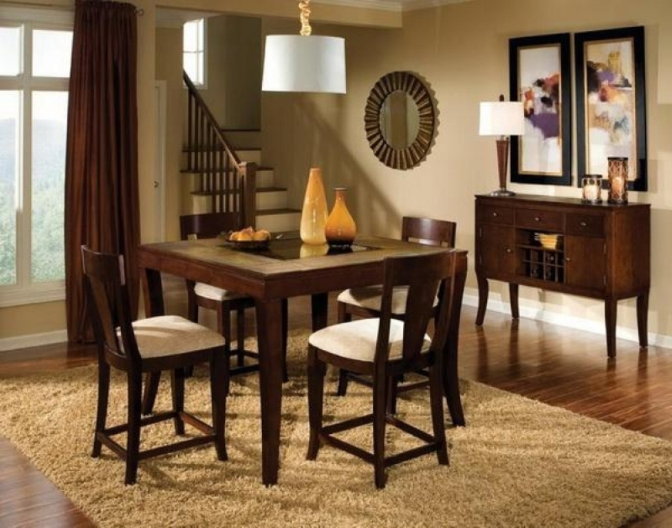 Picture of: Simple Centerpieces For Dining Room Tables