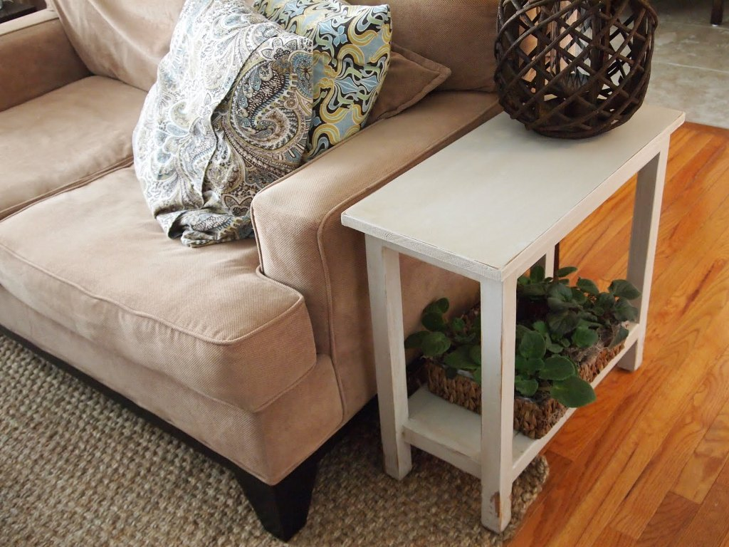 Image of: Skinny End Tables at Big Lots Ideas
