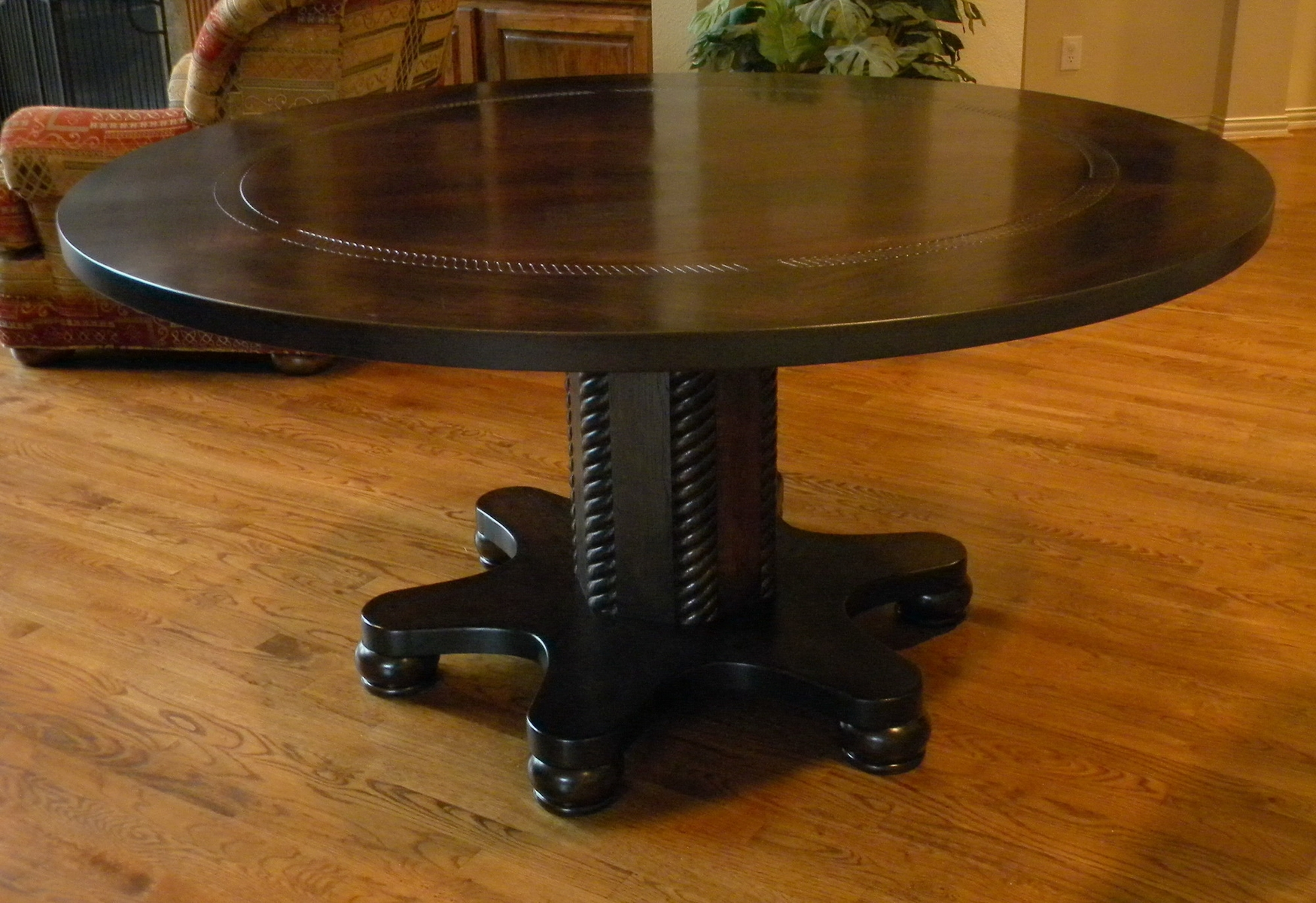 Image of: Solid wood round espresso dining table