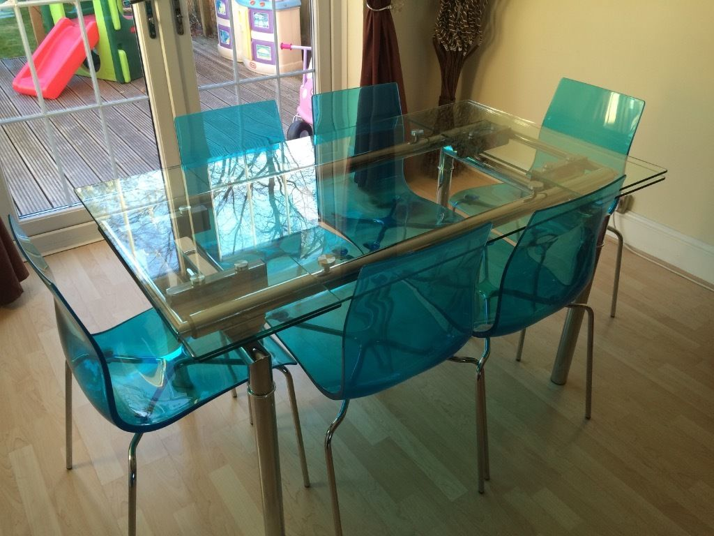 Image of: Trendy Glass Extendable Dining Table