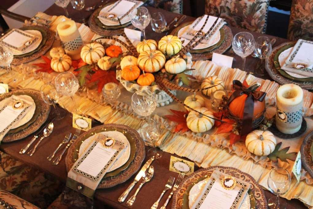 Picture of: easy thanksgiving table decorations