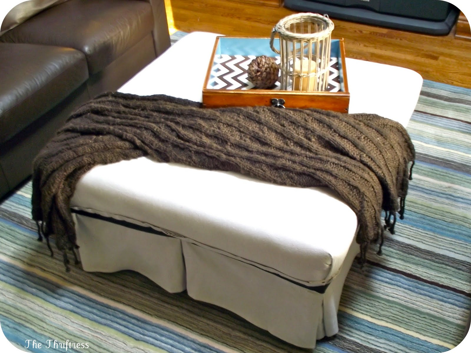 Image of: white coffee table ottoman