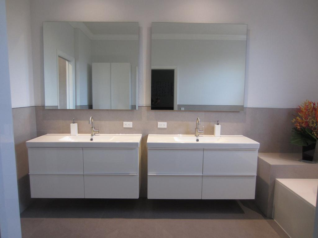 Image of: 48 Double Vanity Warranty