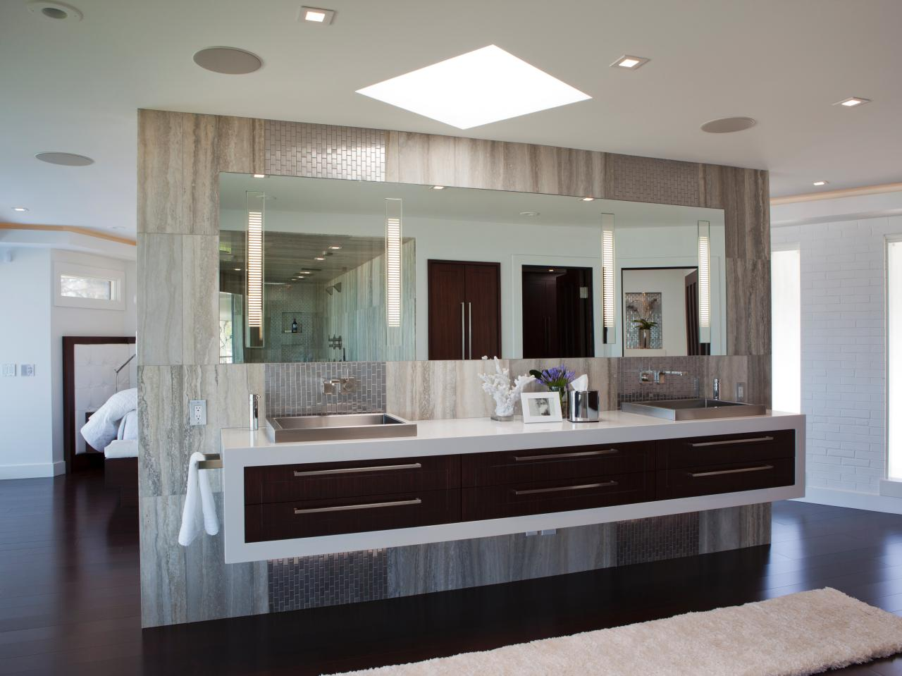 Image of: Amazing Modern Bathroom Vanities